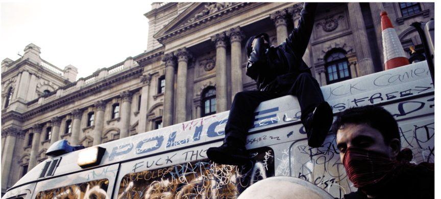 2010 student movement, police car, acab