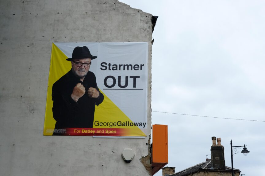 A Galloway Poster saying: Starmer Out